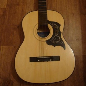 Продаю гитару акустическая