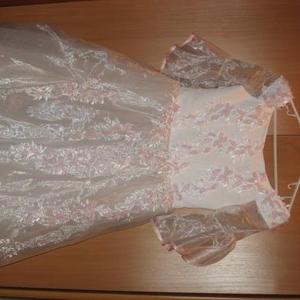 Продаю новогоднее нарядное платье для девочки